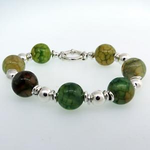 pulsera con bolitas grandes y 7 piedras verdes marmolado, cierre marinero