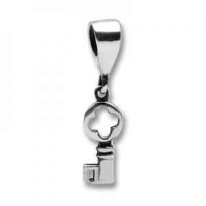abalorio macizo llave colgante