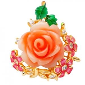 Rosa flores esmalte piedras alrededor dije