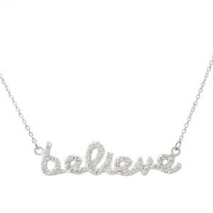 conjunto believe pave con cadena blanco