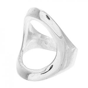 anillo ovalado calado sin piedras blanco