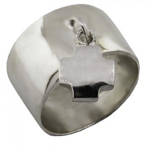 anillo ancho con cruz colgante