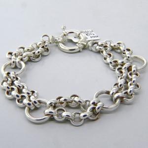 pulsera eslabonada, eslabones redondos y doble cadena rolo